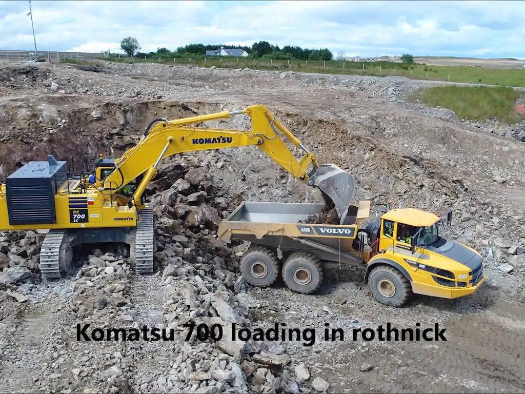 Komatsu 700 loading 40T